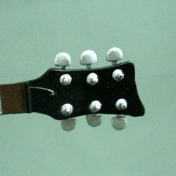 26_ハルヒギター3.jpg